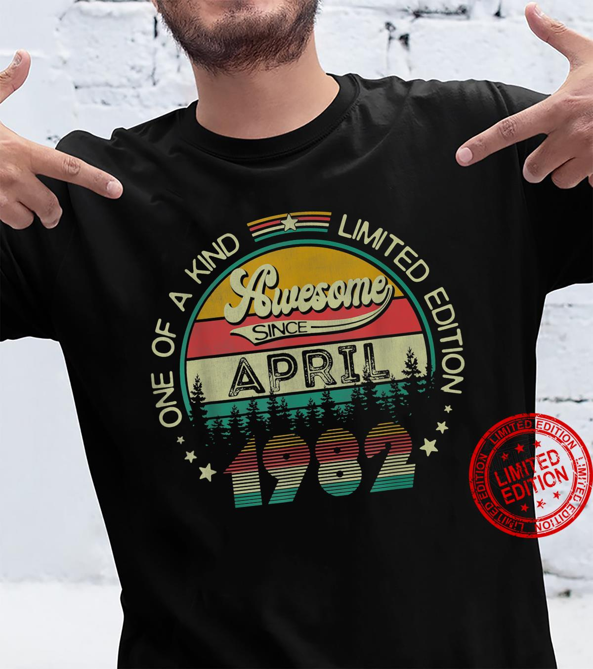 39 Years Old Vintage April 1982 39th Birthday Shirt